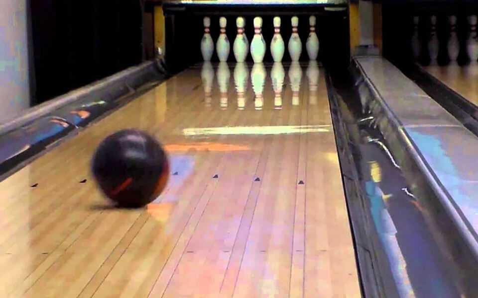 Capitol Bowl | Modern Bowling Alley in Sacramento | 916-371-4200